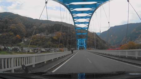 2018_0101_003618_042国道32号を左折して川崎橋を渡り県道32号を右折祖谷温泉を目指します(1).jpg
