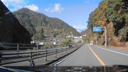 2018_0102_182244_016久万高原まで36km国道33号(1).jpg