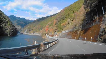 2018_0102_184110_022国道33号久万高原久万まで13km(2).jpg