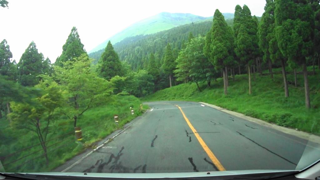 MAH00027草千里展望台から阿蘇東登山道入り口まで(1).jpg
