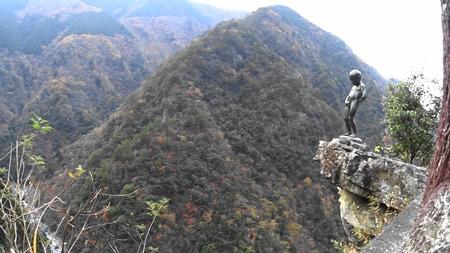 MAH02343祖谷峡の小便小僧(2).jpg