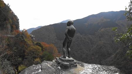 MAH02343祖谷峡の小便小僧(6).jpg