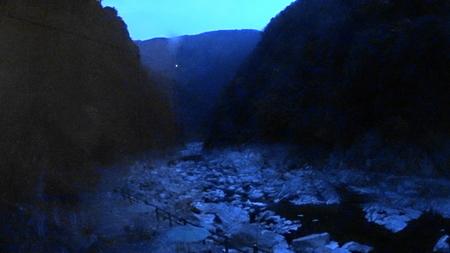 MAH02352露天風呂のケーブルカー乗り場の風景17時17分(1).jpg